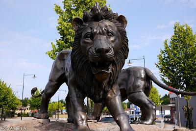 örkelljunga, lejon, lejonstaty, lion, statue of lion
