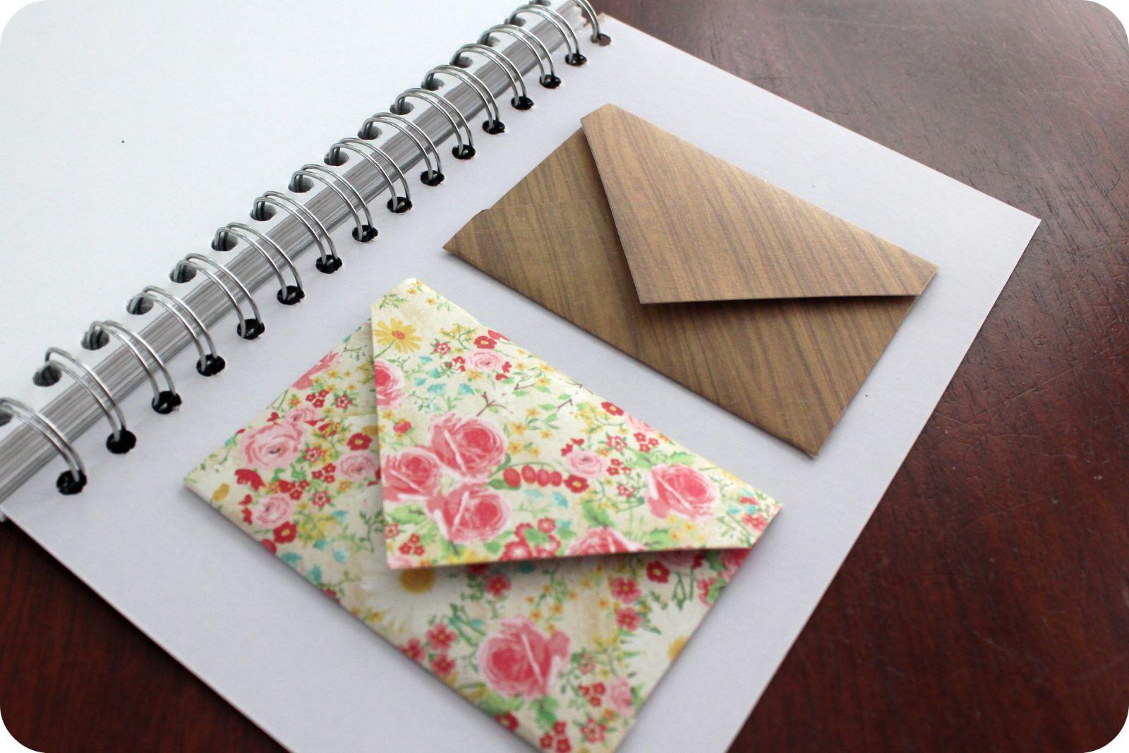 http://2.bp.blogspot.com/-Q8-8yyIyKVw/TiJFlF9yBmI/AAAAAAAAAc4/uRhHGCa8t2s/s1600/envelopes.jpg