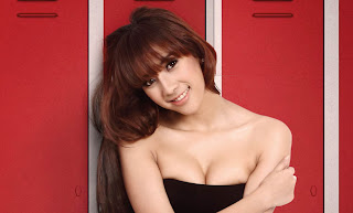 hot Model Popular Seksi Yulia Yellow