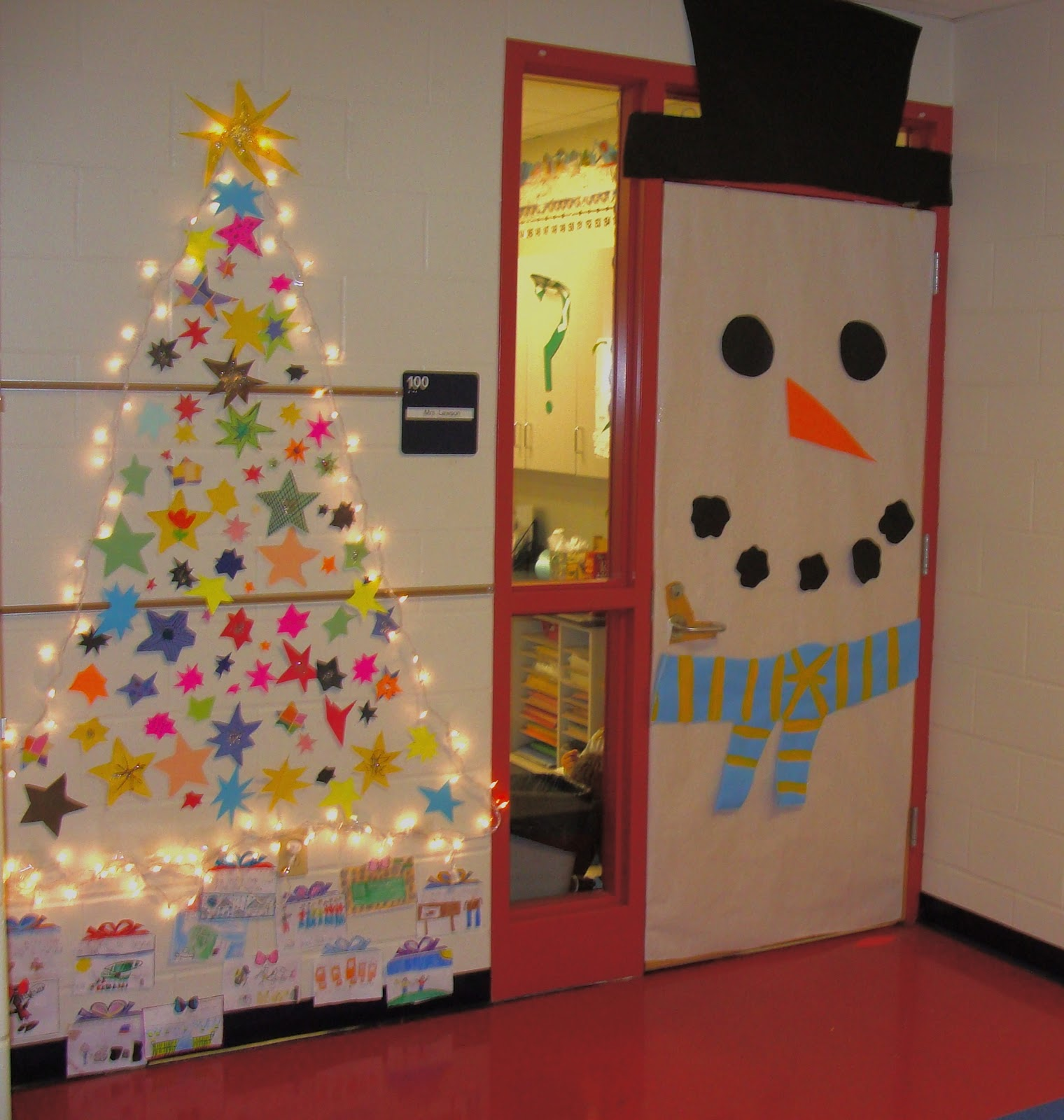 christmas tree classroom door decorations photo6 - How To Decorate Your Door For Christmas