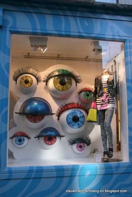 витрины магазинов Лондона