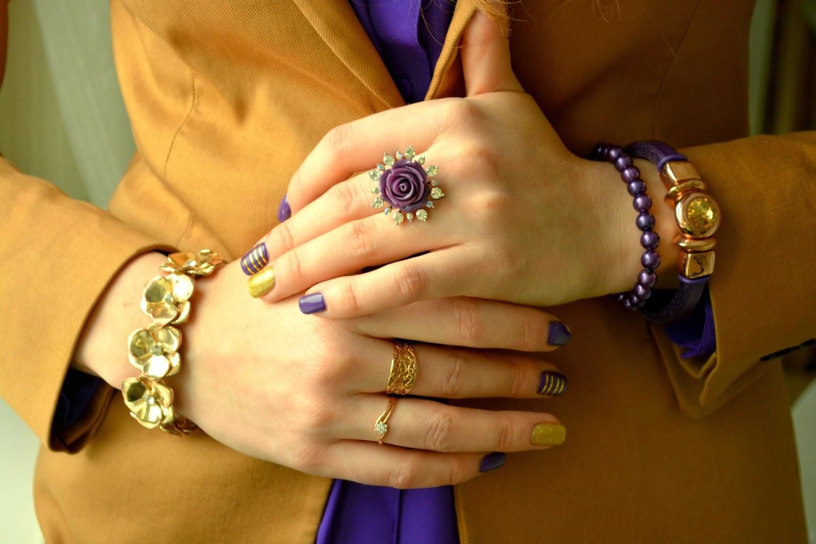 украшения в фиолетовой гамме