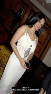 Apoorva aunty in Sleeveless dress