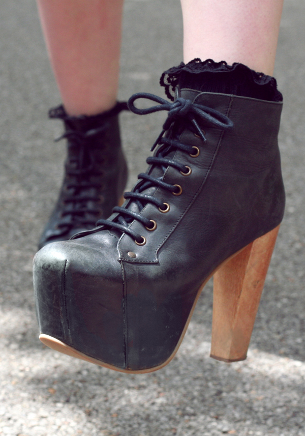 black litas, jeffrey campbell litas, frilly sock, frill socks