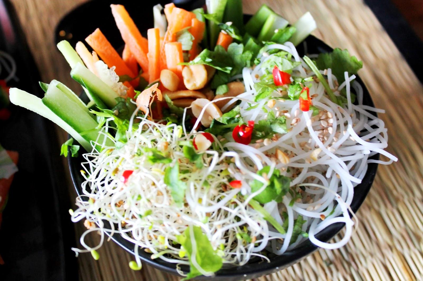 Awesome plating | Alinan kotona blog #plating #food #noodles