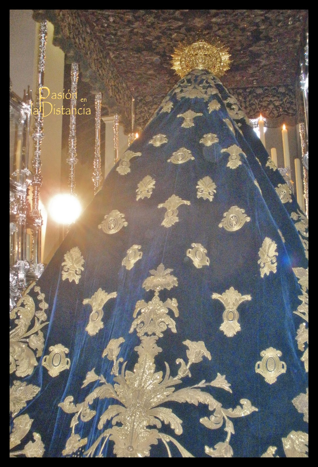 Manto de  la V. de los Dolores de Las Penas bordado por Patrocinio López