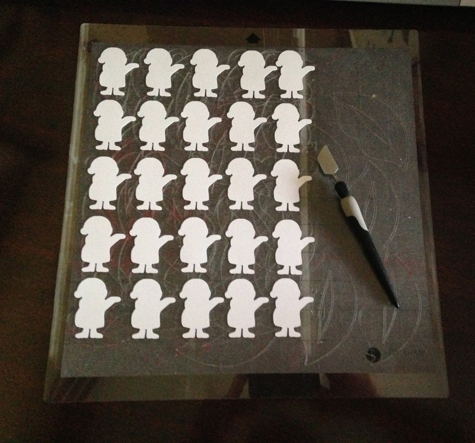 how to make silhouette mat sticky again