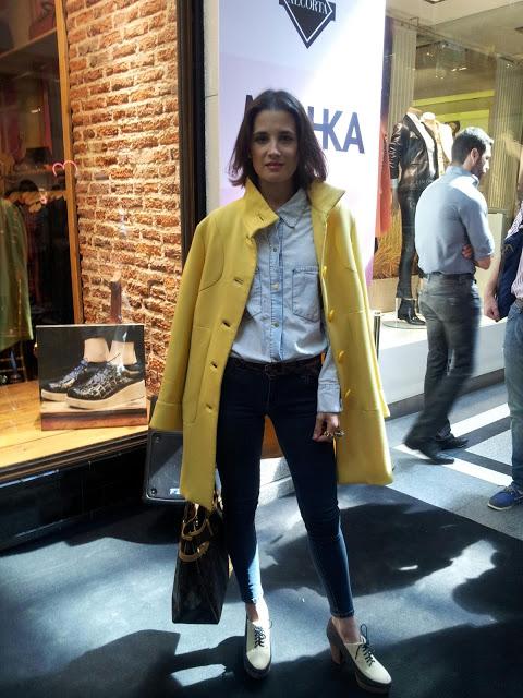 florencia-torrente-amarillo-yellow-coat-abrigo-invierno-2013-street-style-argentina