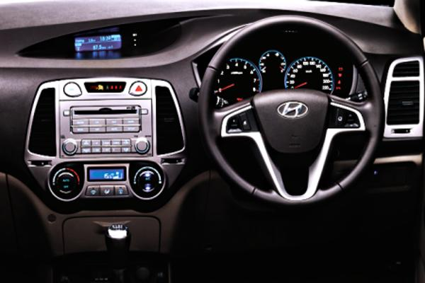 Hyundai i20 Active gets contrast interior, cornering lights