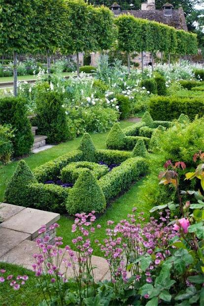 french parterre garden backyards
