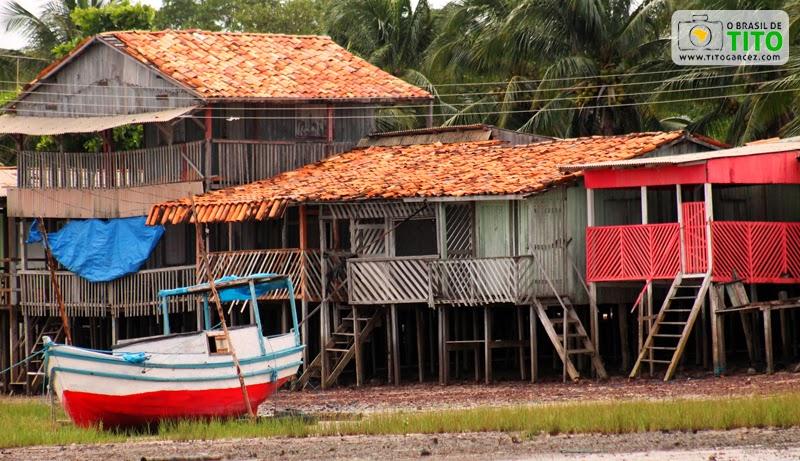 Casas de madeira localizadas no distrito de Marudá, em Marapanim, no Pará