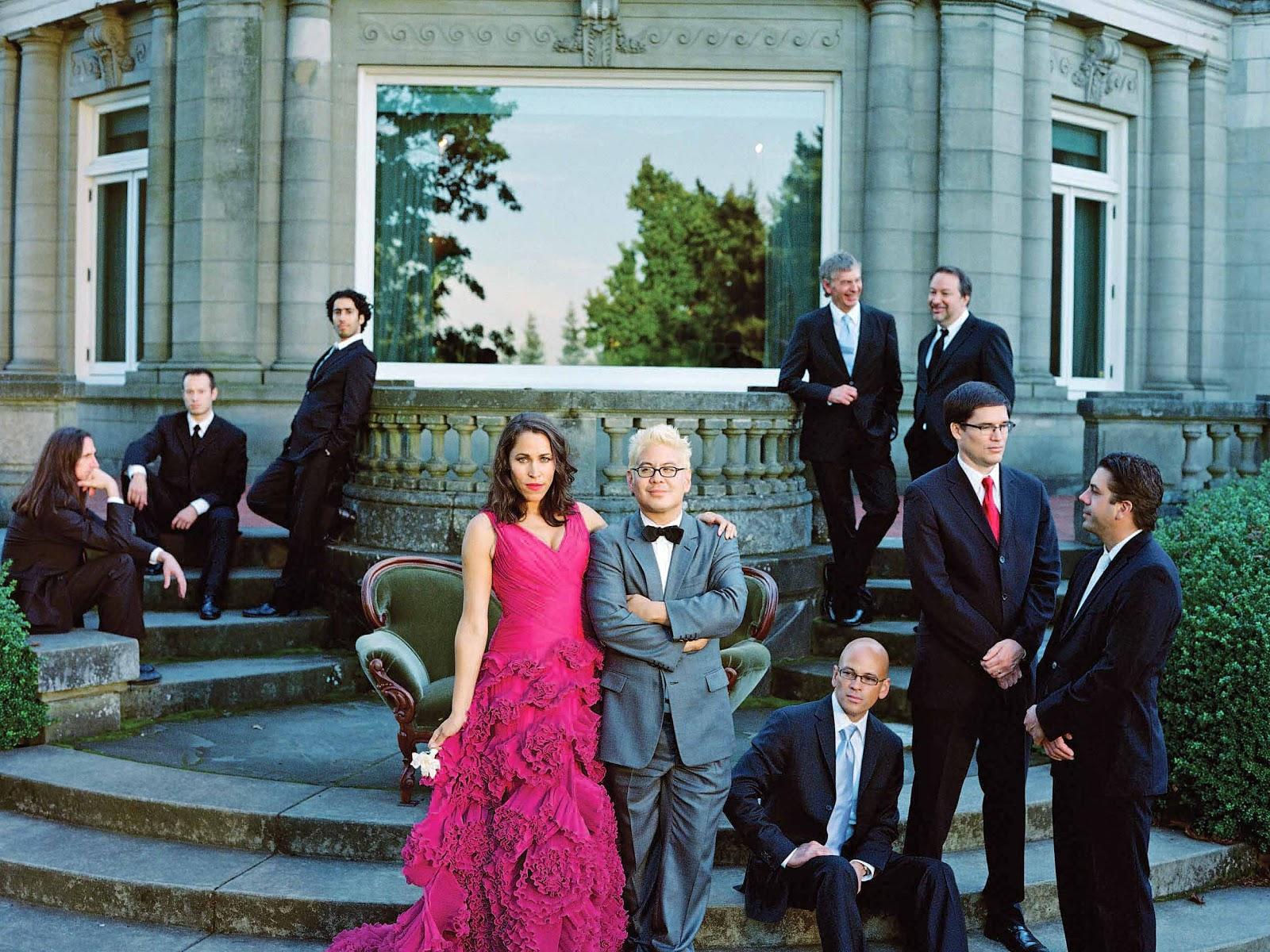 http://2.bp.blogspot.com/-Q9aOftDWbz8/UJhe5fboP0I/AAAAAAACmp4/HoKbcz33HZQ/s1600/Pink+Martini+Joy+to+the+World.jpg