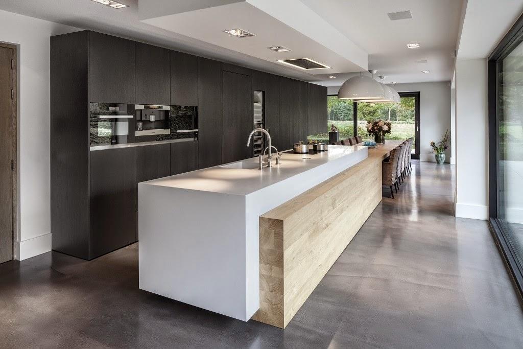 Una gran cocina con mesa para familia numerosa cocinas - Cocinas con mesas ...