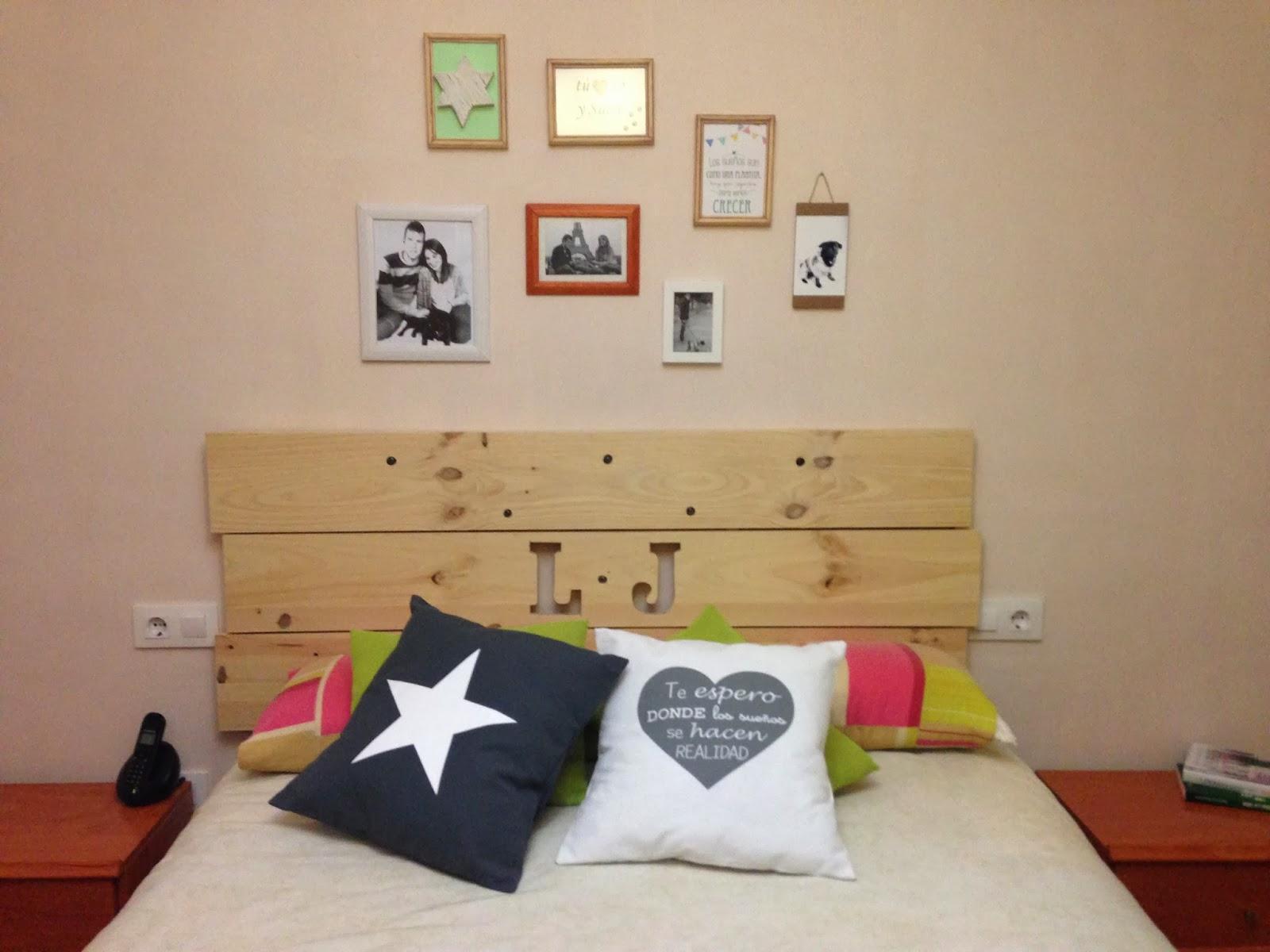 El blog de lorenna colgar cuadros sin hacer agujeros for Como hacer un perchero de pared
