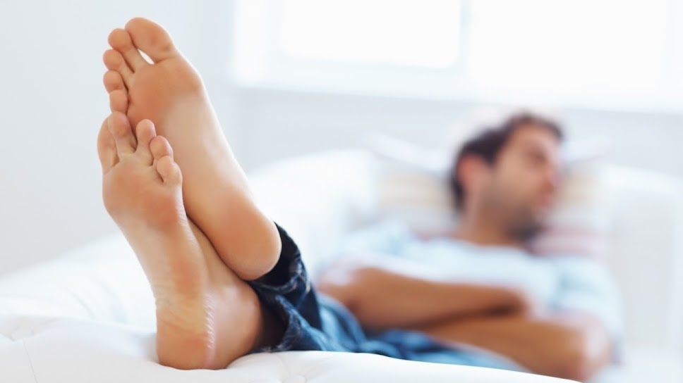 Pic of nude mens bare feet