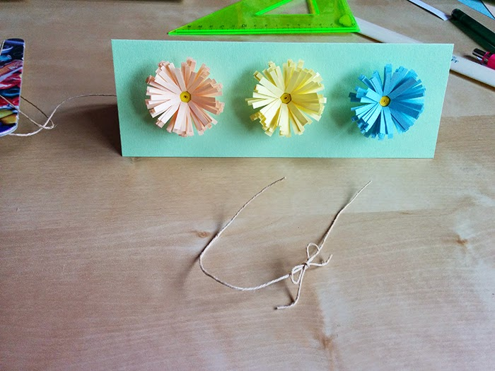 Daisy Card DIY handmade paper flowers quilled quilling Easter Spring