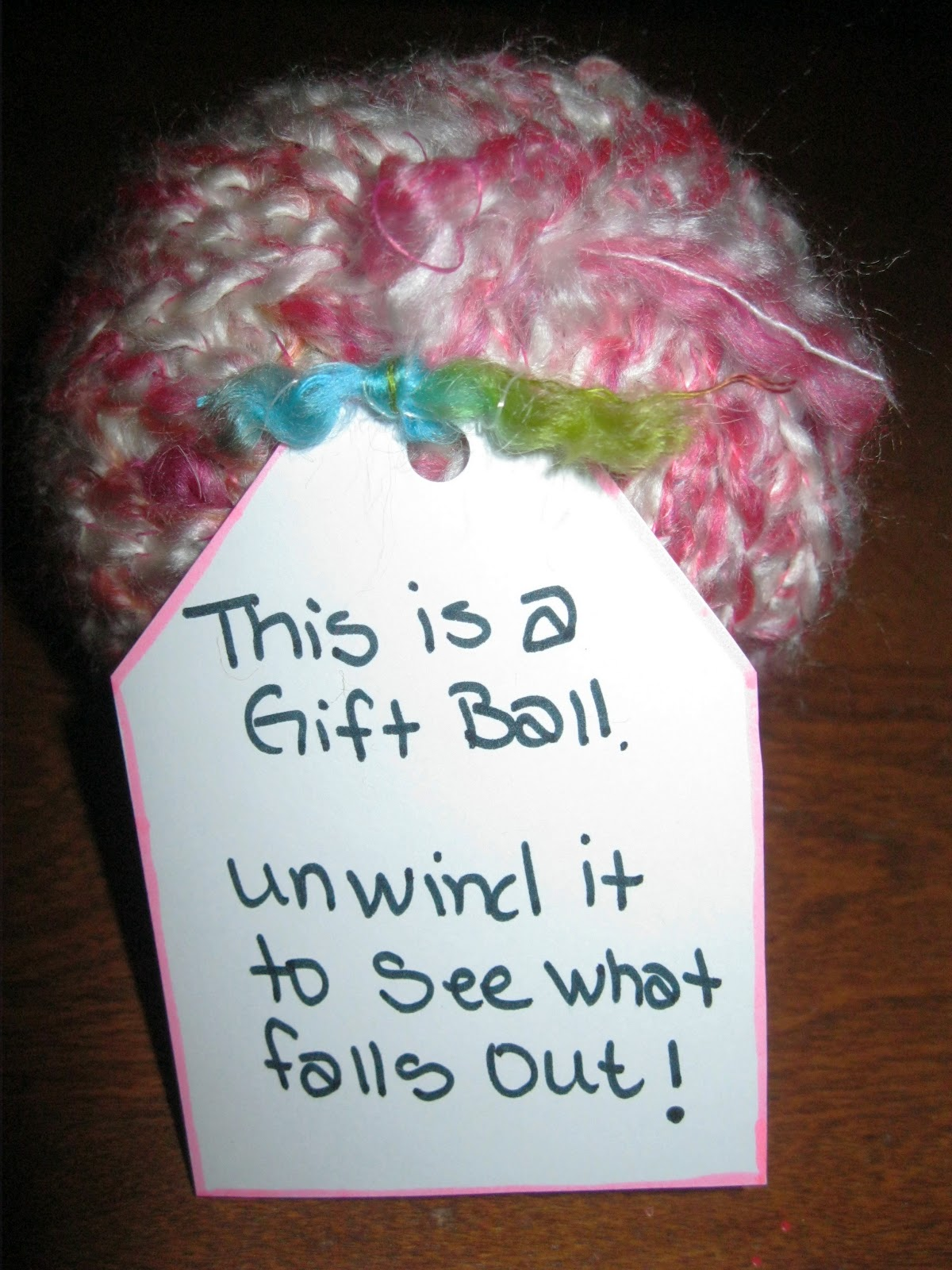Tip Garden Surprise Filled Gift Balls