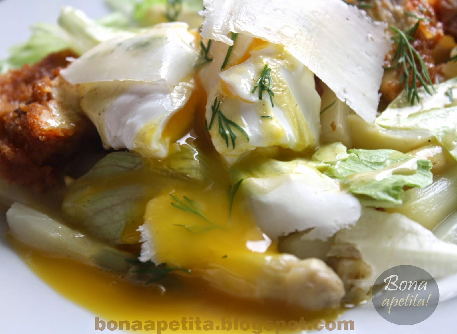 sałatka ze szparagów z jajkiem