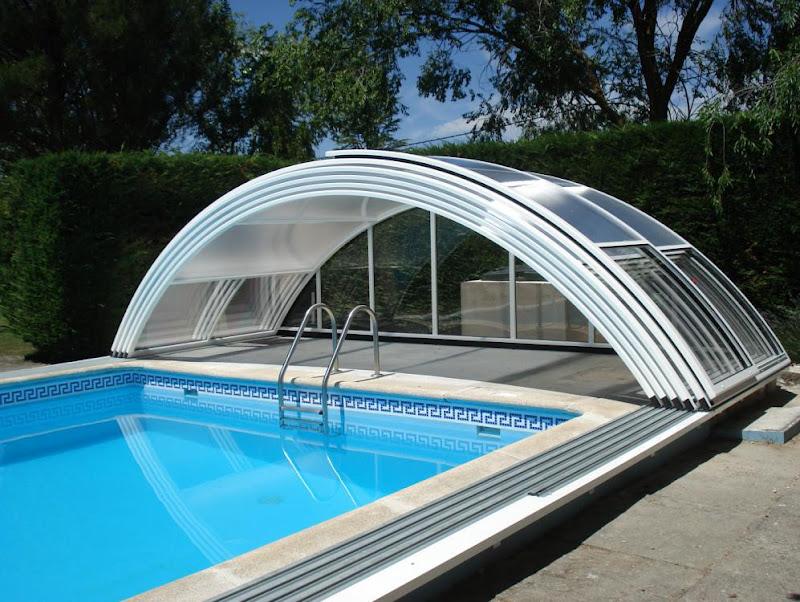 Cubierta de piscina de policarbonato web cubiertas for Cubiertas transparentes para techos