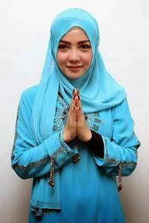 Wah, Foto Penyanyi Bella Shofie Memakai Hijab Terlihat Sangat Cantik