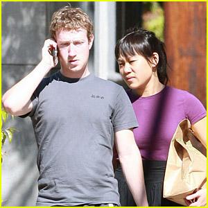 Facebook Founder Mark Zuckerberg And His Girlfriend 04