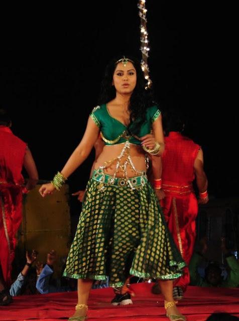 actress rachana mourya navel show photos