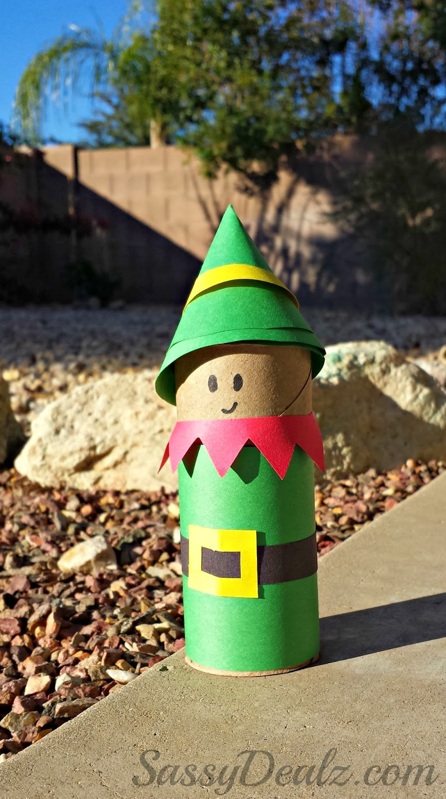 Christmas decorations out of paper towel rolls - Christmas Santas Elf Toilet Paper Roll Craft