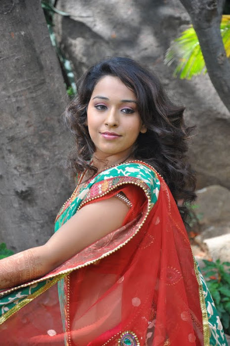model zeba saree hot photoshoot