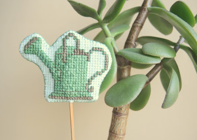 embroidery.jpg, needlework.jpg, stitchпинкип, вышивка, вышивка крестиком, декор, декор для цветов,embroidery, needlework, stitch