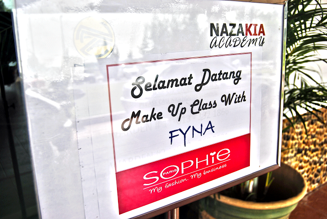 Fyna make up class sophie paris