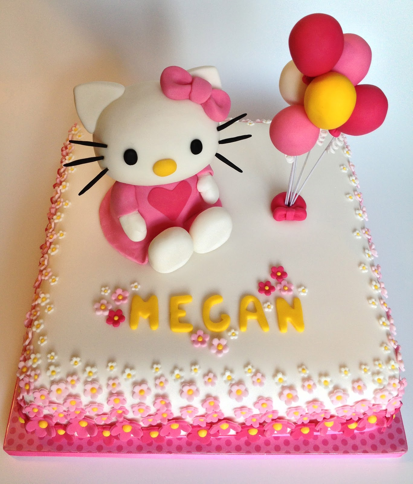 Elaines Sweet Life Hello Kitty Cake