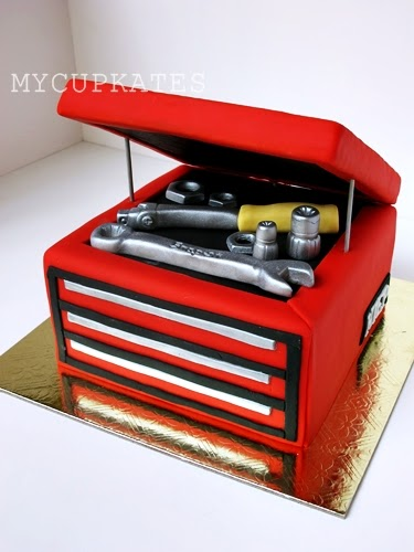 How To Make A Snap On Tool Box Cake