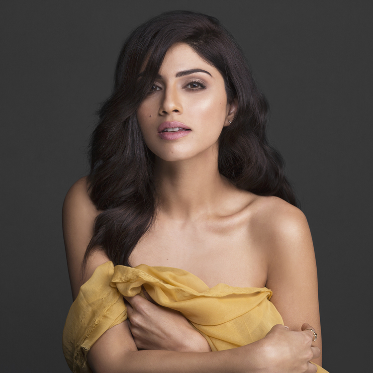 Bharatbytes: Sapna Pabbi in a hot Photoshoot