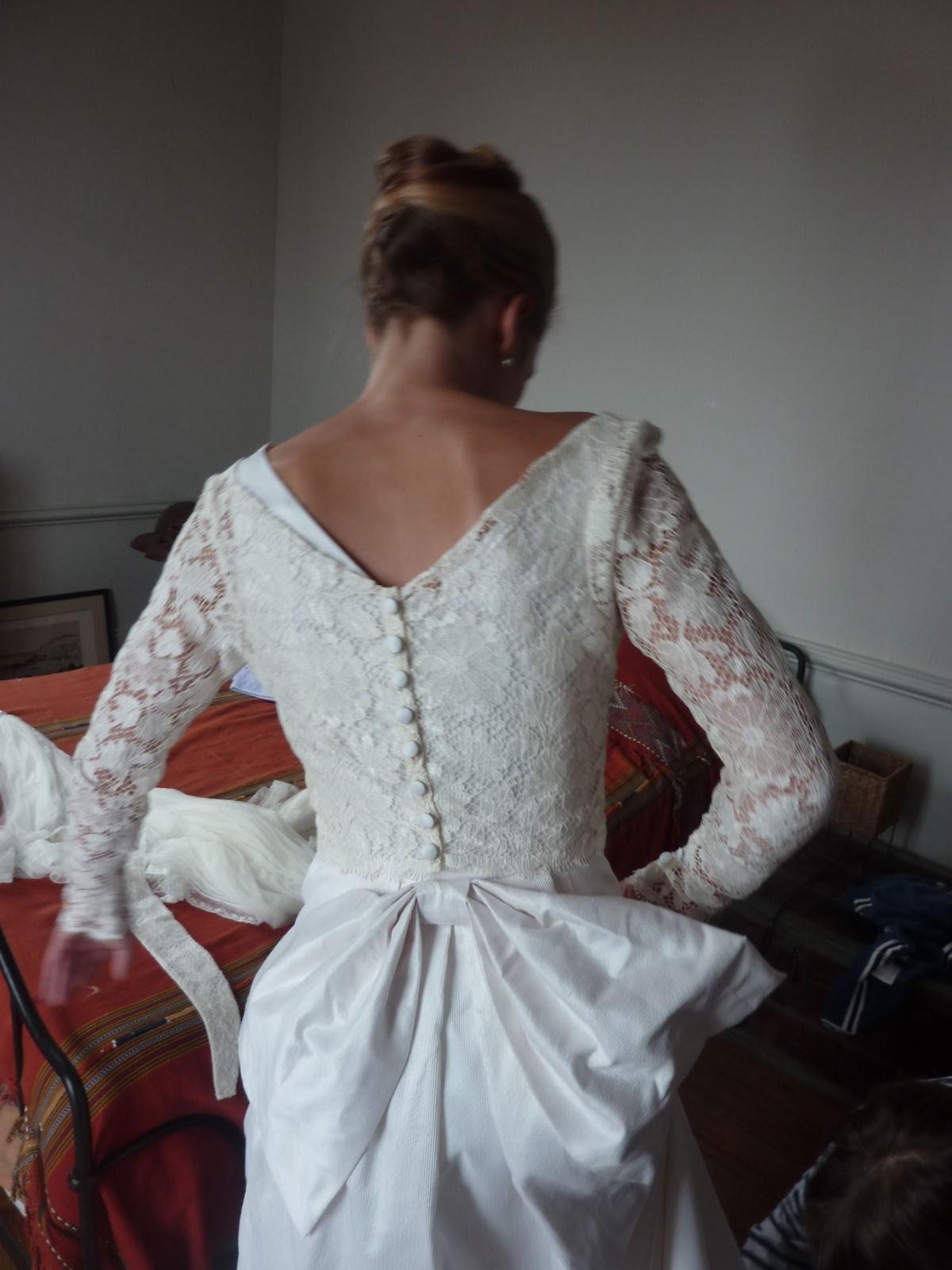 Talons aiguilles et vieilles dentelles histoire d 39 une for Faire don d une robe de mariée plus ancienne
