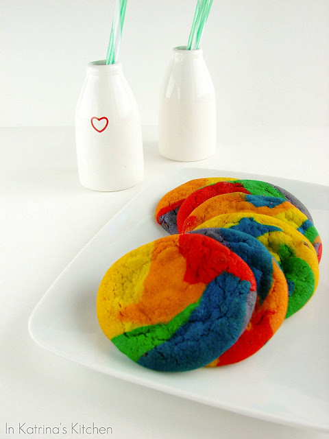 Rainbow Chocolate Chip Cookies from @KatrinasKitchen