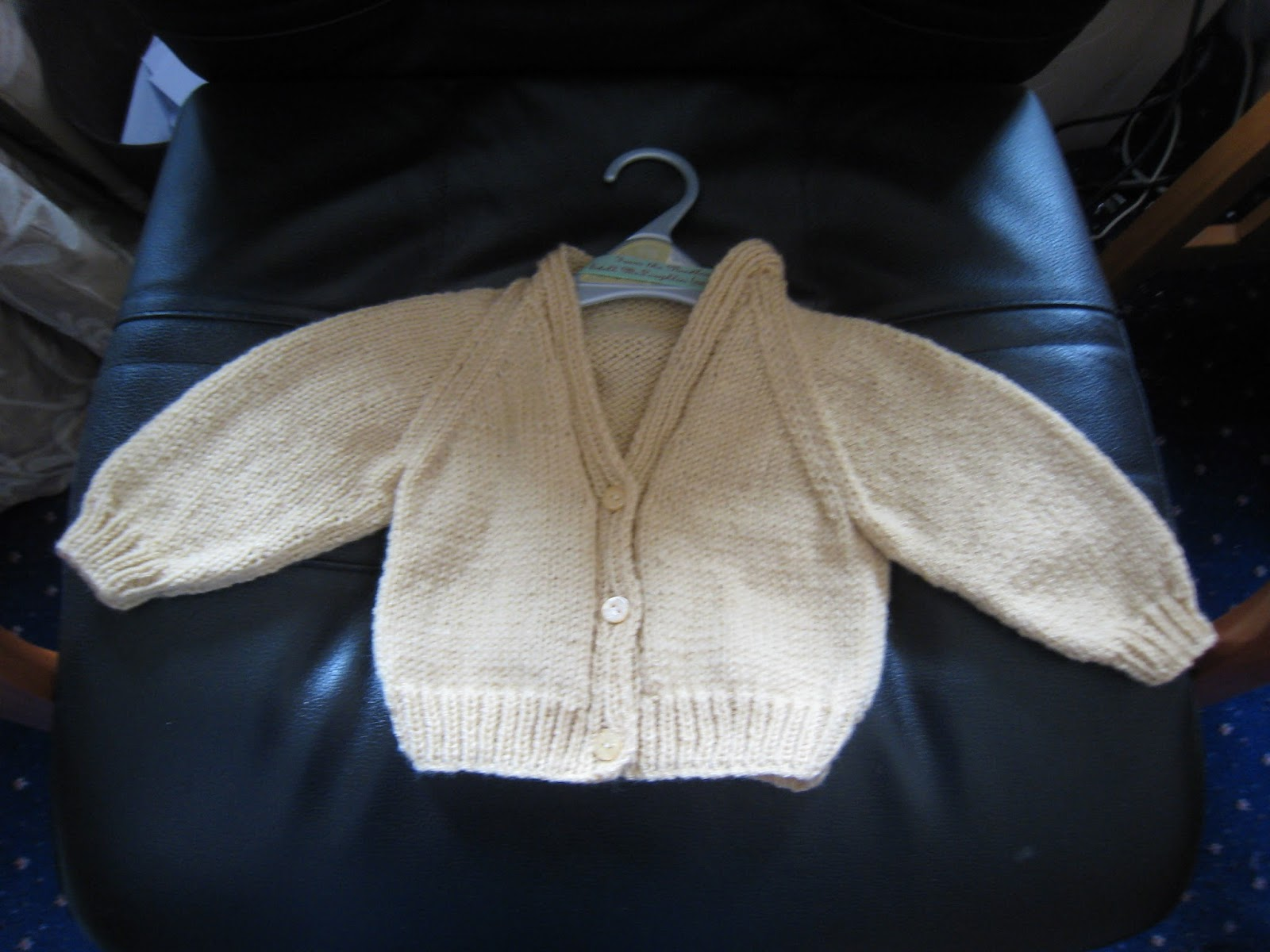 Free Knitting Pattern For Raglan Sleeve Baby Cardigan : Makes, Bakes and Yummy Stuff: Free Knitting Pattern - Basic Raglan Sleeved Ba...