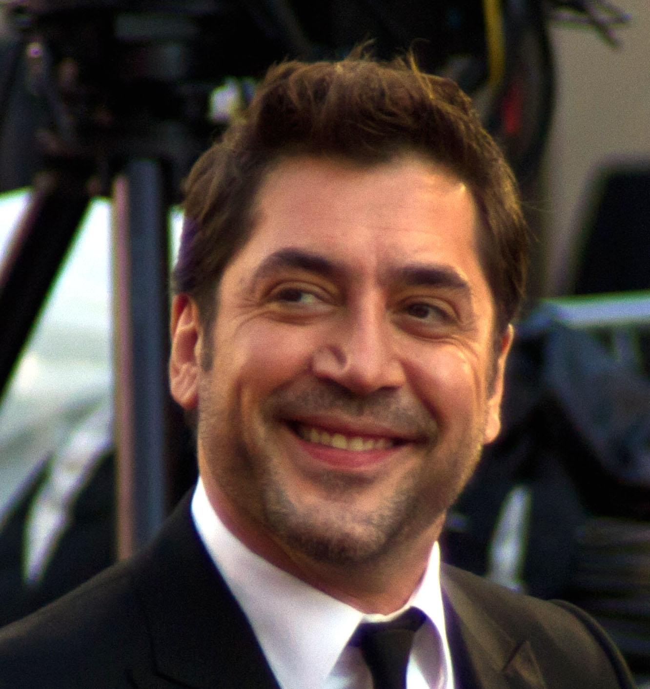 http://2.bp.blogspot.com/-QCNi_NfkqjM/UJ-wfSb4mAI/AAAAAAAAEI8/t6VDUm52D0w/s1600/Javier_Bardem_2011_AA.jpg