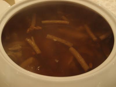 天然松茸炖鲜鹿根汤