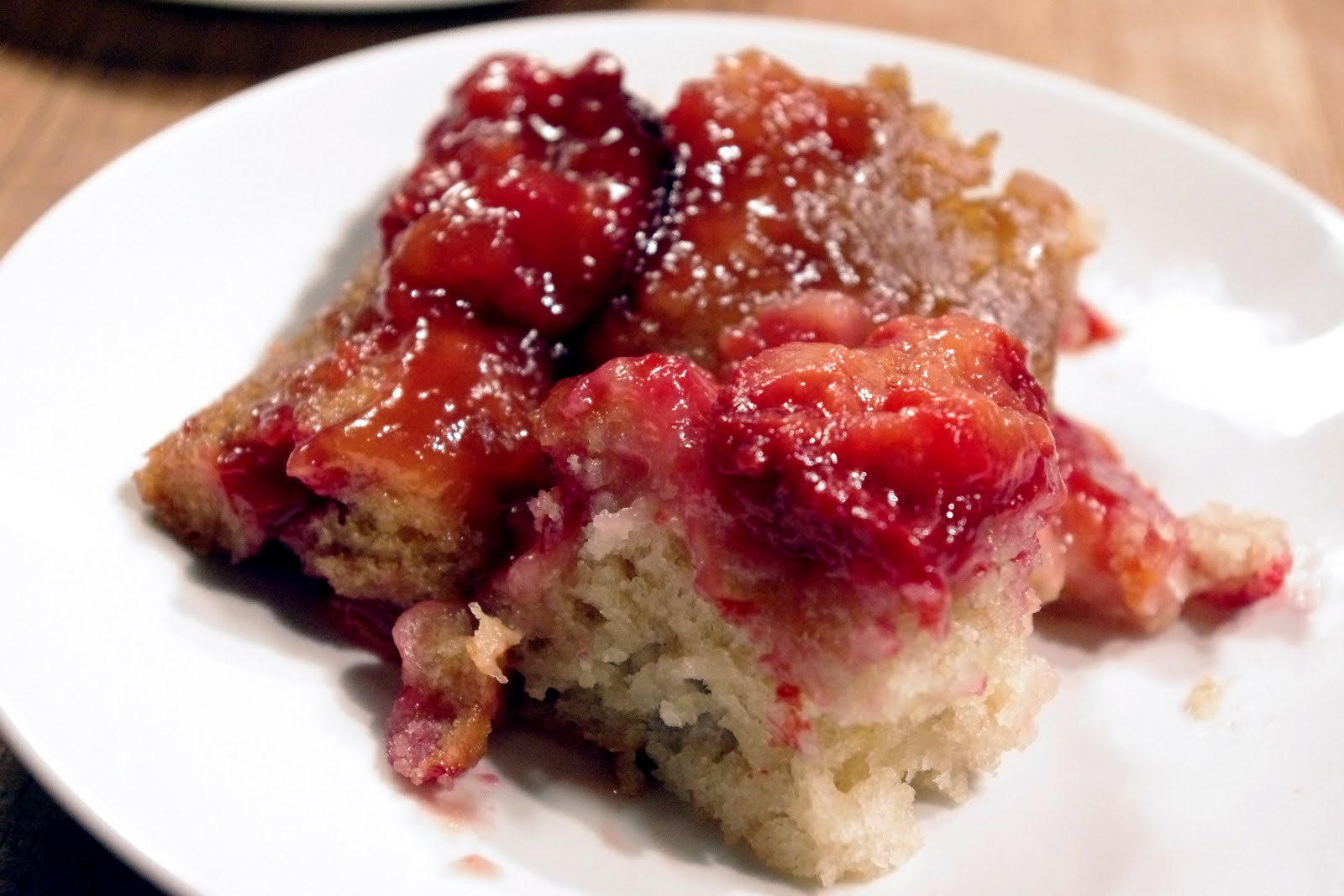 Bite me, I'm vegan: Plum Upside-Down Cake