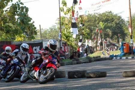 gambar kejuaraan road race