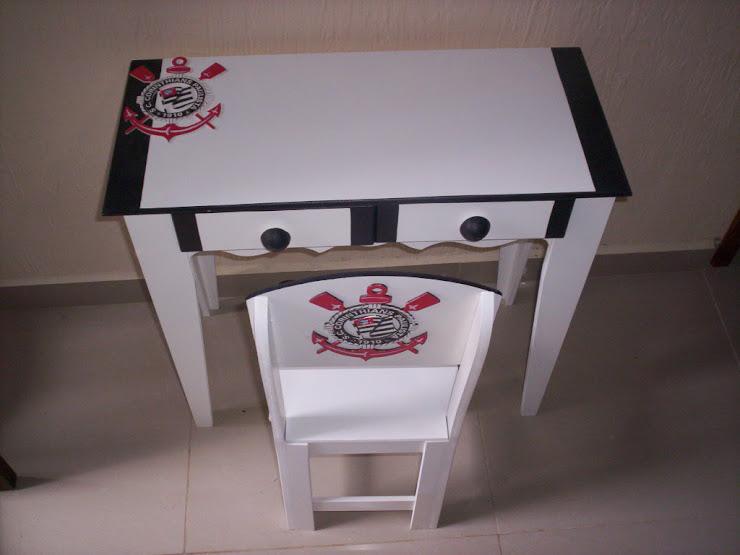 Mesa para estudo Corinthians R$ 180,00