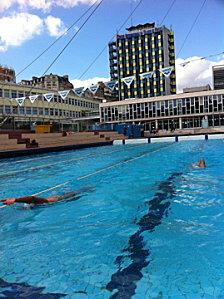 Section sportive natation paul valery paris entra nements for Piscine 50m paris