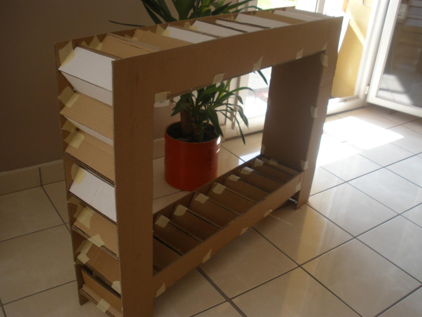 ces temps carton les consoles. Black Bedroom Furniture Sets. Home Design Ideas