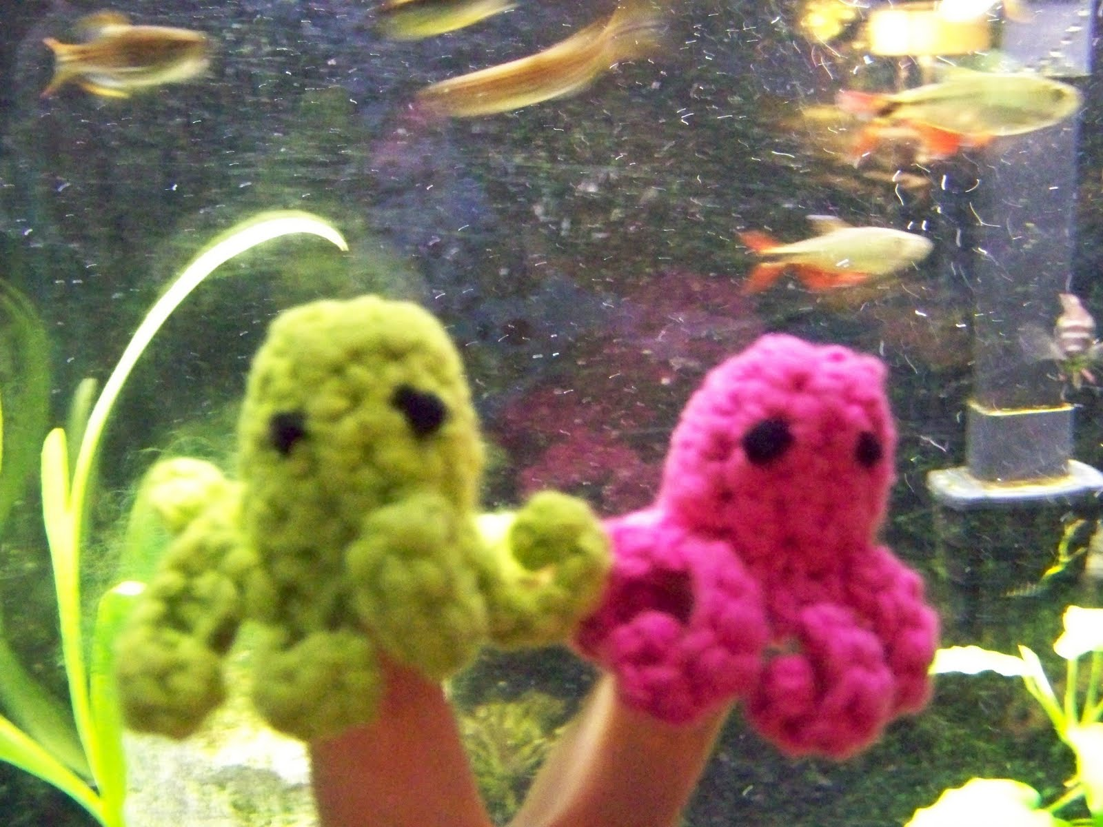 worth a knit: New Pattern: Octopus Finger Puppet