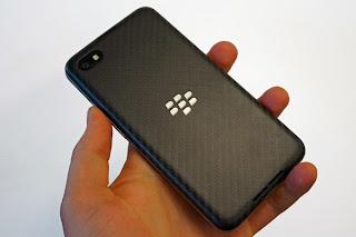 Desain BlackBerry Z30