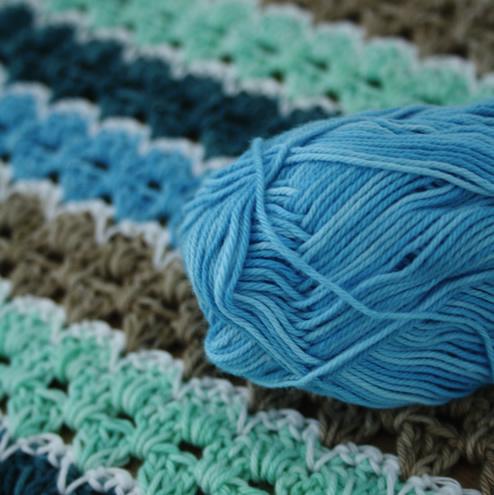 Spike stitch blanket, Scheepjes Sunkissed | Happy in Red