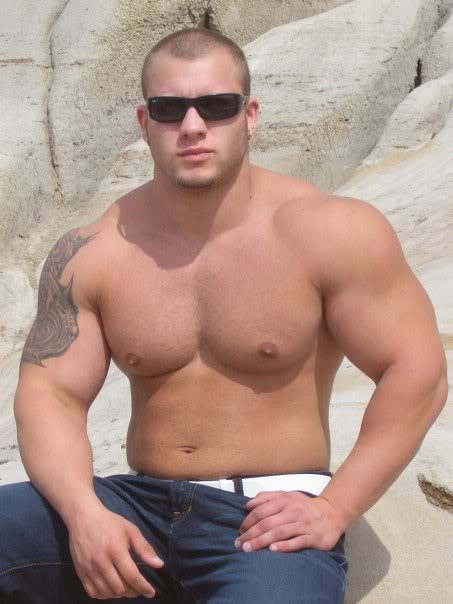 Machos Fortes E Tesudo Mostrando O Corpo Musculoso Pau Enorme