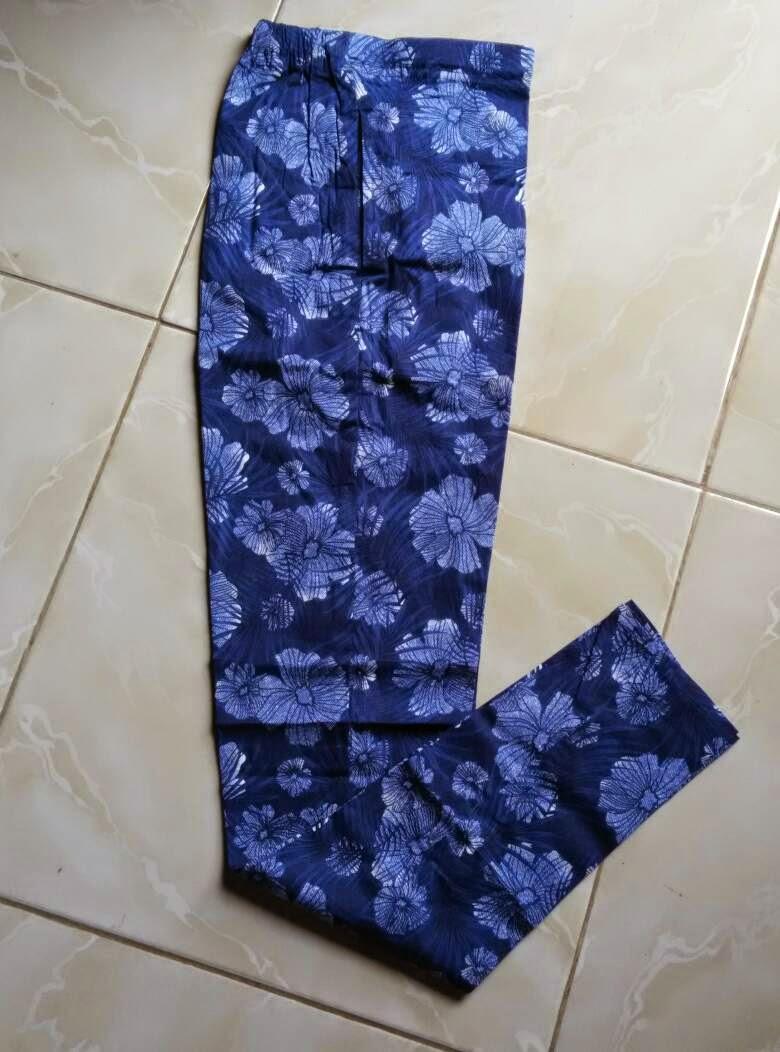 Grosir Celana Legging Katun Wanita Ukuran All Size Fit To L Aneka Warna Motif Kami Buat Dua Model Panjang Dan 7 8 Dengan Berbagai Xxl