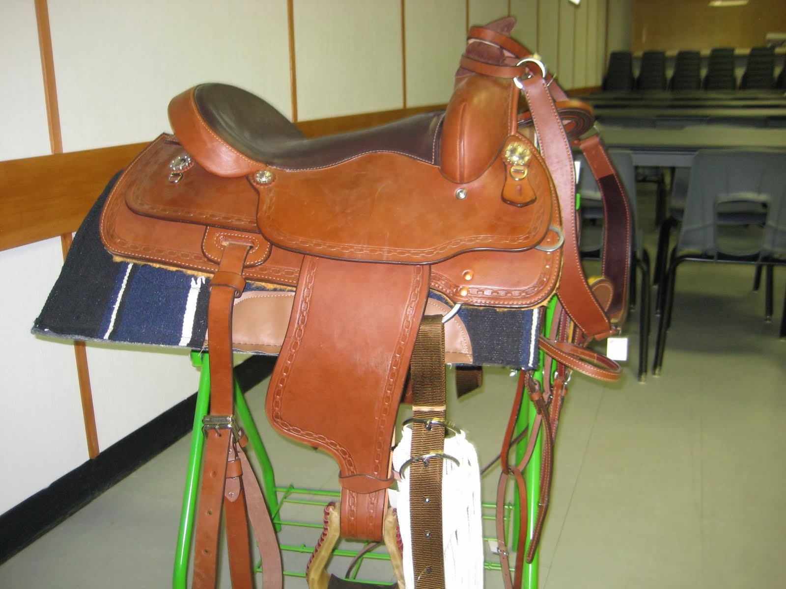 SADDLE DRAW