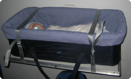 Bassinet Airplane2